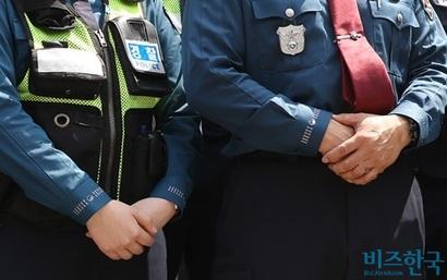 놀라운 것은 심지어 경찰이 그때까지도 욕을 하던 환자를 그냥 응급실 문 앞에 두고 간 것이다. 사진은 기사의 특정 내용과 관련 없음. 사진=비즈한국DB