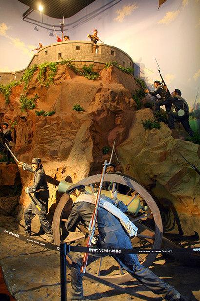 강화도역사박물관에는 신미양요 때 광성보 전투 장면이 실물 크기로 재현되어 있다. 사진=구완회 제공