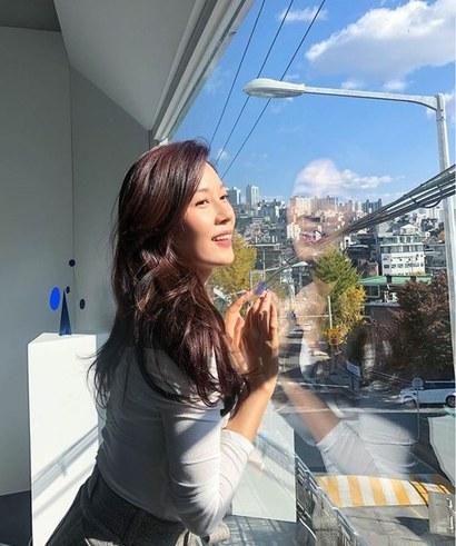 배우 김하늘 씨가 서울 용산구 한남동 유엔빌리지 내 고급빌라 한남리버힐 한 세대를 매입했다. 사진=김하늘 인스타그램